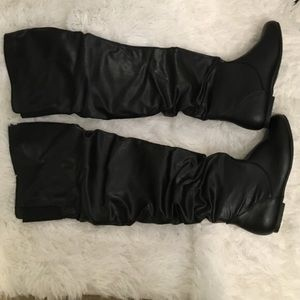 Shoes - Over the knee leather boots with box