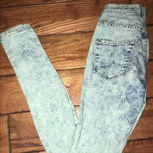 Fashion Nova Denim - High waisted jeans