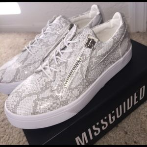 Missguided Shoes - Grey snake pattern double zip trainers