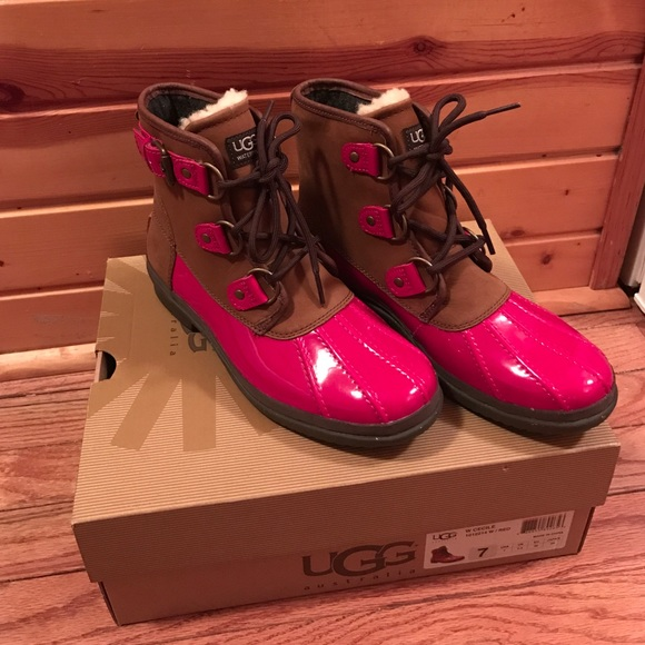 30610cfe548 FINAL PRICE! NEW Ugg Cecile Duck Boots Size 7 NWT