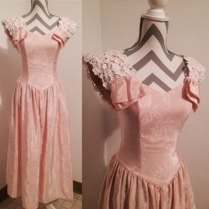 Alfred Angelo Dresses & Skirts - 💕Amazing Vintage 50s pink princess party dress