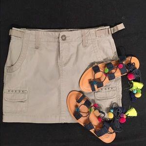 Dresses & Skirts - Gray cargo skirt- lots of pockets
