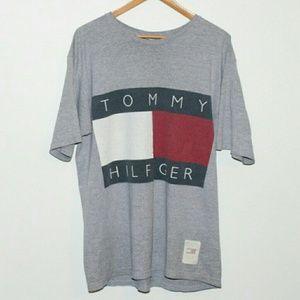 Tommy Hilfiger Other - 90s TOMMY HILFIGER VINTAGE LOGO TEE.