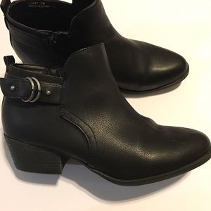 Madden Girl Shoes - EUC Madden booties