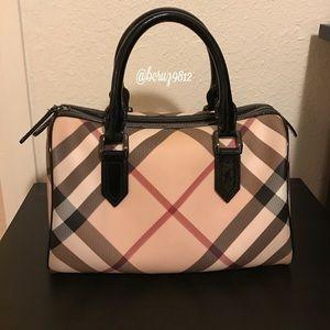 Burberry Handbags - 💕Burberry Nova Check Bowling Bag