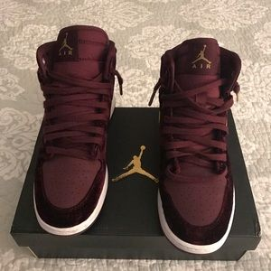 the latest dc7f5 667ec Nike Air Jordan Shoes - 🔥Nike Air Jordan1 s Velvet Maroons NIB🔥Size-6.5