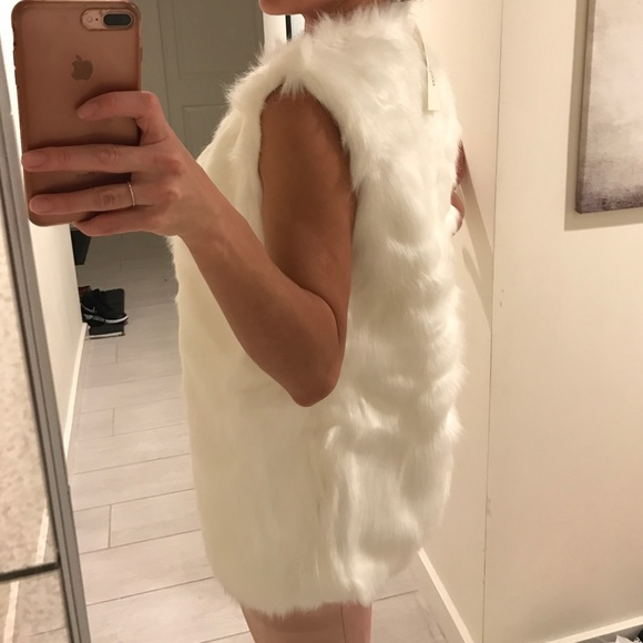 Jackets & Coats - White faux fur vest