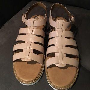 3b09a38e1f6 Clarks Shoes - 🆕Women s Clarks Lydie Kona Nude Leather