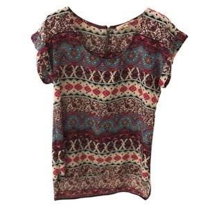 Hippie Rose Tops - NWOT Hippie Rose Patterned Short Sleeve Top