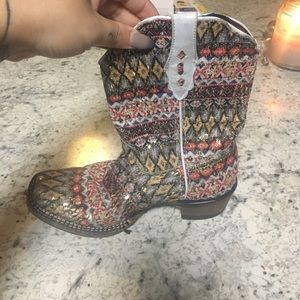 Little girls cowboy boots size 2