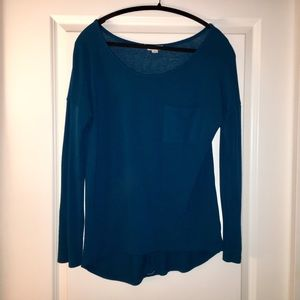 Tops - Teal top with buttons down the back!