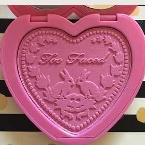 "Too Faced Other - Too Faced Love Flush Blush in ""Justify My Love"" 🎀"