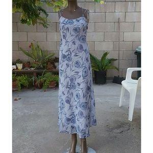 WINDSOR Dresses & Skirts - Maxi Floral Dress NWT
