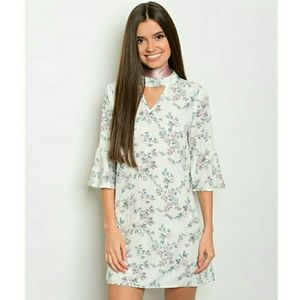  SPRING SALE  Pretty Floral Bell Sleeve Dress