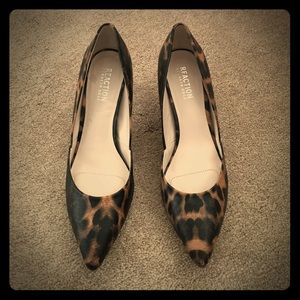Kenneth Cole So Savy Pumps