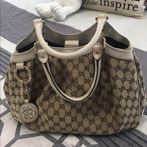 Gucci Handbags - Authentic Gucci Sukey Medium