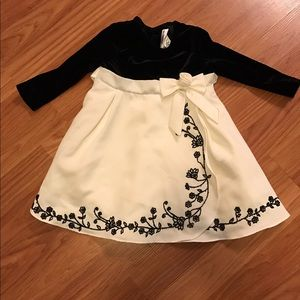 Rare Editions Other - Formal long sleeve black and white dress. 12 month