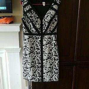 sangria Dresses & Skirts - Sangria black and white dress
