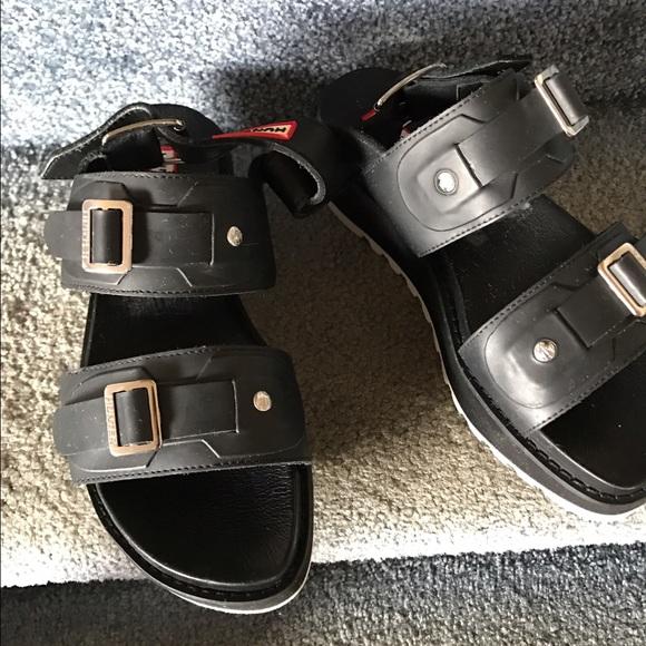 96c0ff31926 Hunter Shoes - Hunter Double Buckle Platform Sandals