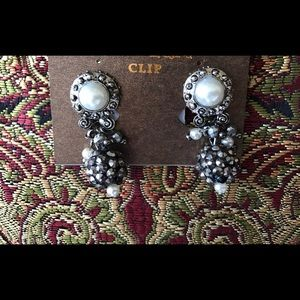 Curvy Couture Jewelry - Hematite Fresh Water Pearl Silver Clip Dangles NWT