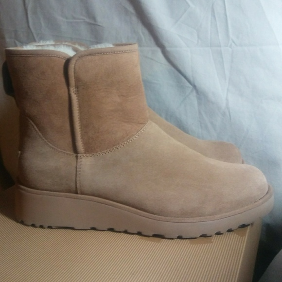 b370872bd0 Ugg W Kristen Short Chestnut Boots. M 58cea1f49c6fcff34f0bc98e