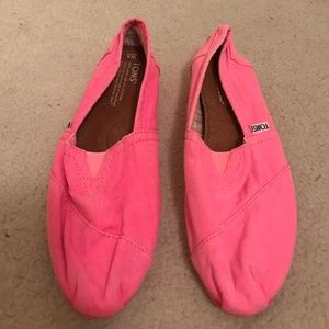 TOMS Shoes - NWOT Hot Pink TOMS Slip Ons Shoes 8 RARE