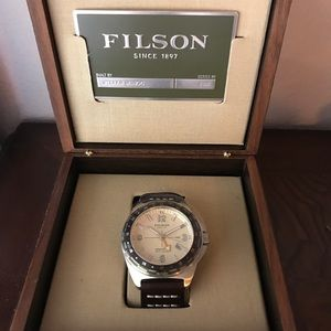 Filson Other - Filson Journeyman GMT Watch 44mm - Cream Dial