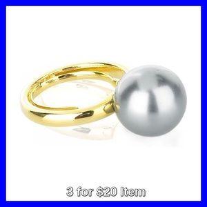 Kenneth Jay Lane Jewelry - Kenneth Jay Lane Oversized Pearl Ring