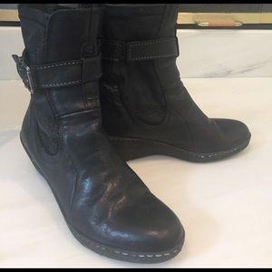 Linea Pelle Shoes - Linea Pelle black leather booties