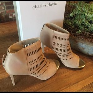 Fabulous Charles David cut out booties
