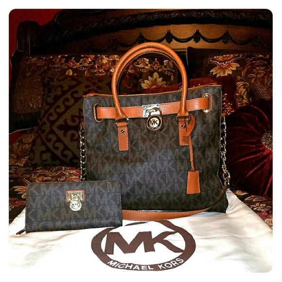 7f88cdd587864 ☄Michael Kors Brown Large Hamilton Bag and Wallet.  M 58ceb4c5f739bcde2b0c0ab0