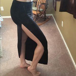 Boohoo Dresses & Skirts - Black slit skirt