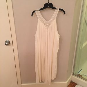 NWT Liz Lange Cream Maternity Dress