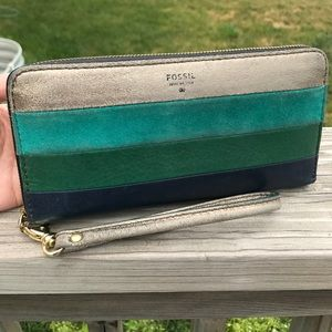 Fossil Handbags - Fossil Sydney Zip Wallet and Wristlet