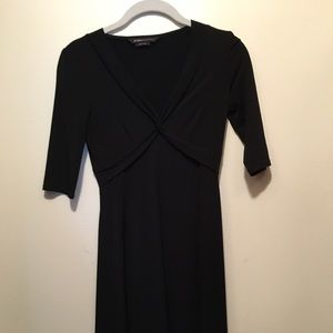 LAST CALL! BCBG 3/4 sleeve v-neck dress