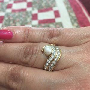 Jewelry - Pretty Ring! sz 8