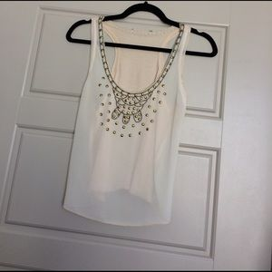 CUTE TOP WITH BEADING DETAIL