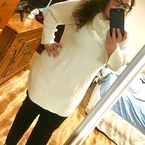 Alfani Sweaters - Alfani white sparkly sweater