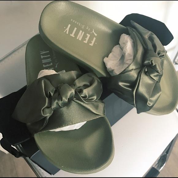 detailing 06058 bc5e3 Puma x Rihanna Fenty Bow Slide NWT