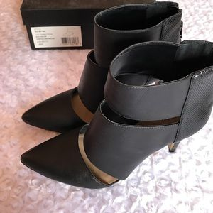 Sole Society Shoes - SOLE SOCIETY BLACK LEATHER HEELS BOOTIES
