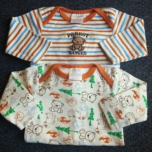 Baby Gear Other - long sleeve onesies sz 3-6 mos
