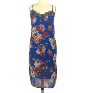 Timing Dresses & Skirts - Timing Sleeveless Floral Shift Dress M