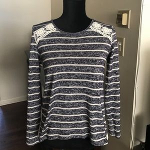 Jolt Sweaters - Blue and cream jolt top