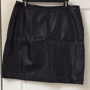 Amanda Smith Dresses & Skirts - Amanda Smith Lined Leather Skirt, Size 16