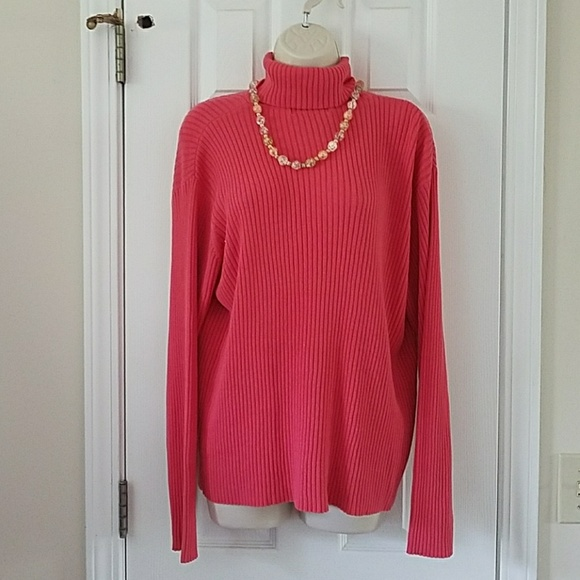 Tops - Salmon turtle neck