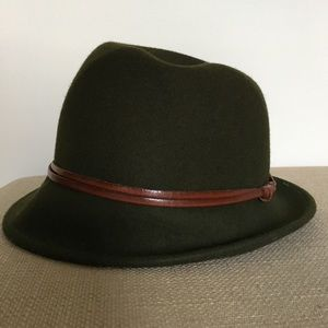 Accessories - Dark olive green bucket hat - Made in Italy