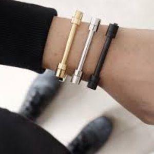 Jewelry - Barbell kiss the sky bracelet