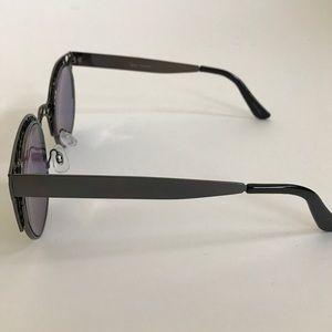 Quay Australia Accessories - Quay Australia Fleur Sunglasses