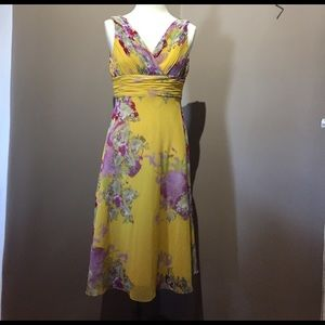 Adrianna Papell Dresses & Skirts - Exquisite Adrianna Papell sleeveless summer dress!