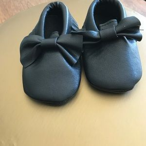Other - SUPER CUTE!!!! Baby Moccasins NWT